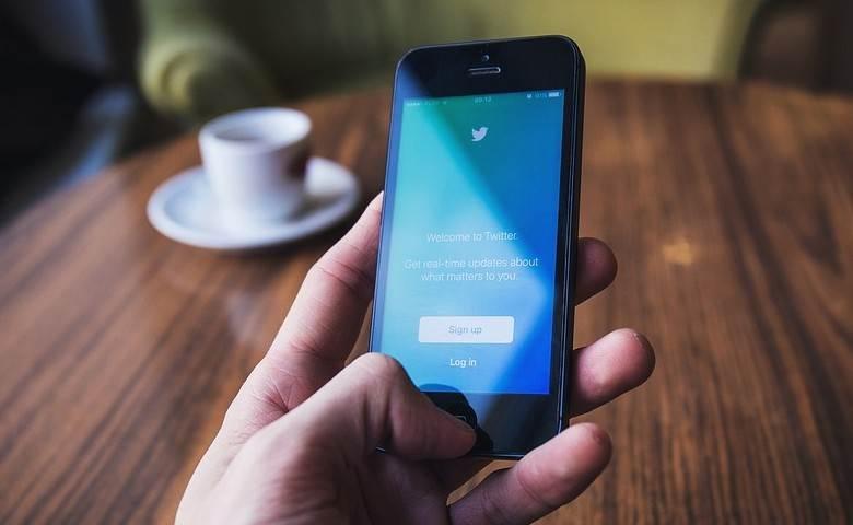 Así funciona la iniciativa de Twitter para prevenir suicidios