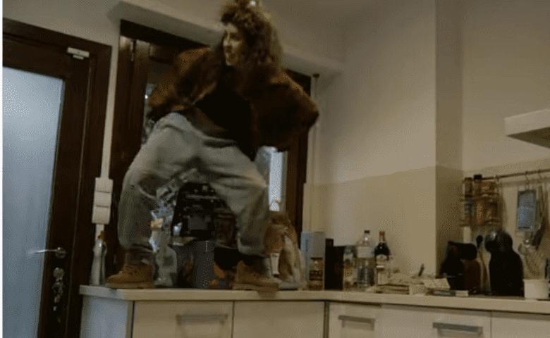 «Perrea en la casa», el reggaetón para bailar durante la cuarentena
