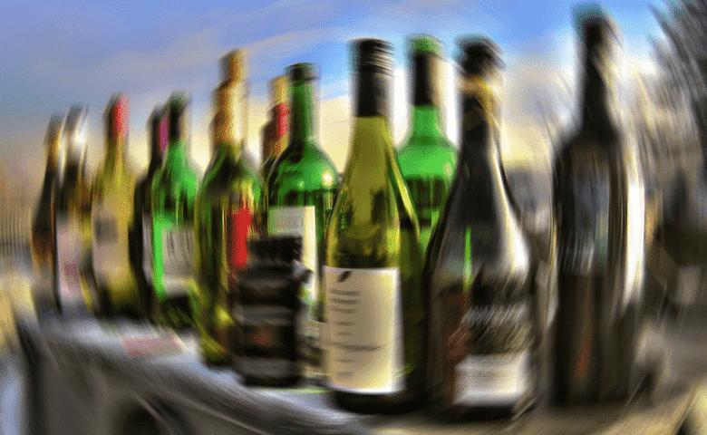 Más de 40 personas han muerto por beber alcohol adulterado en Puebla