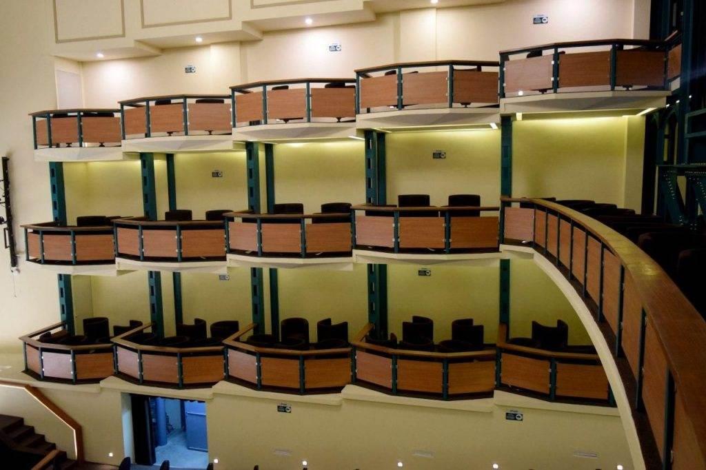 Fotografía del teatro de la ciudad.