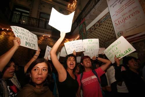 Protestan contra criminalización del aborto en puebla