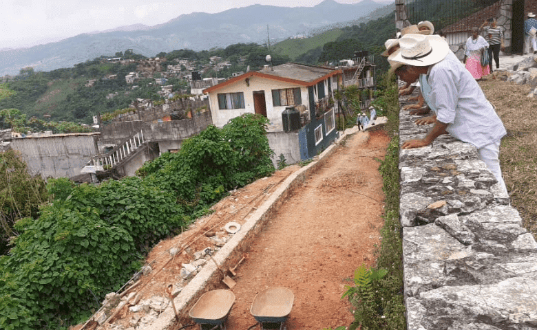 Piden frenar obra que amenaza tradiciones de Huehuetla