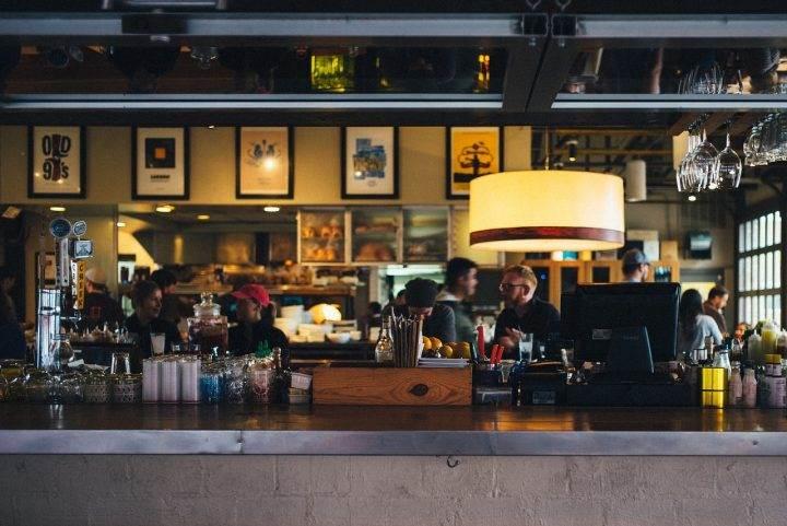 Cumplen con normas antitabaco el 80% de restaurantes y bares en la capital
