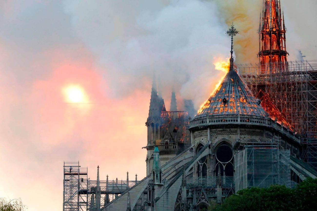 Comienzan a desmantelar el órgano de Notre Dame tras el incendio de 2019