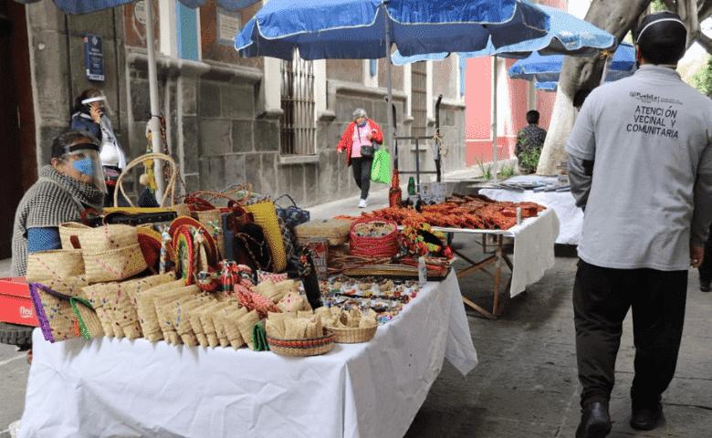 Vuelven artesanos y comerciantes a «Los Sapos»