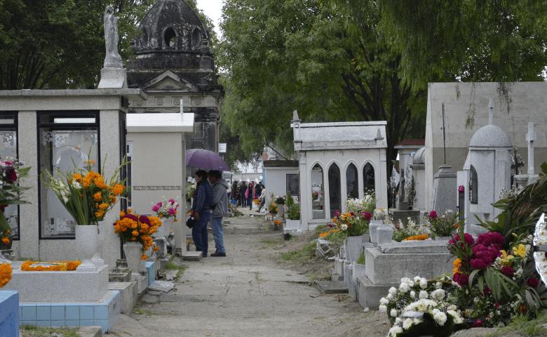 Panteones de Puebla permanecerán cerrados