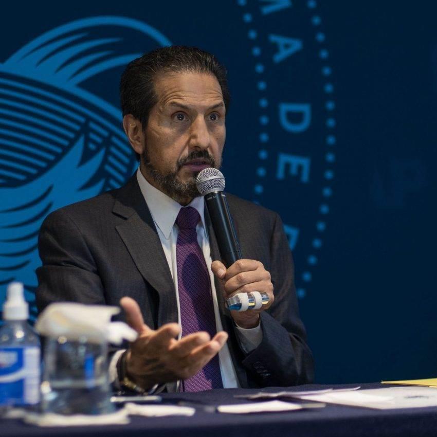 La última batalla del rector Alfonso Esparza