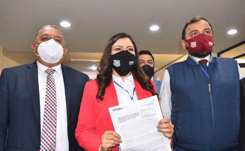 Claudia Rivera planta cara al Congreso local y acusa persecución política