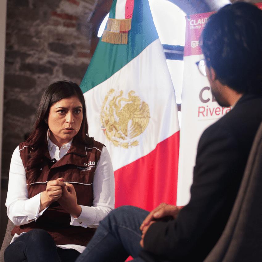 El retrato de Claudia Rivera en medio de un carrusel de entrevistas