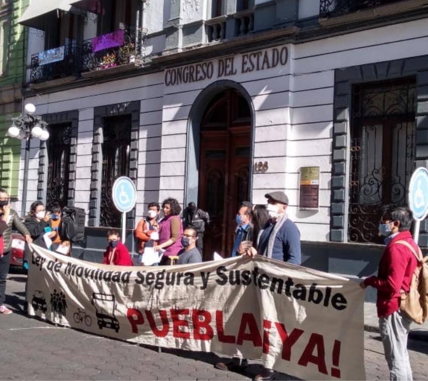 Urgen al Congreso de Puebla a promover una Ley de Movilidad Segura y Sostenible