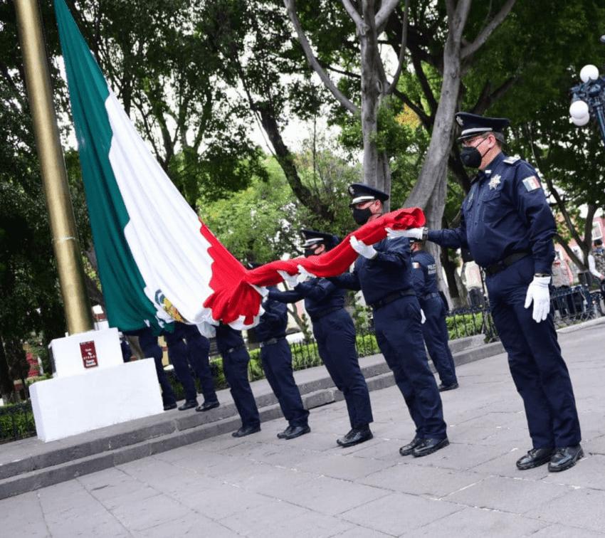 Realizan ceremonia conmemorativa por aniversario de la Revolución Mexicana
