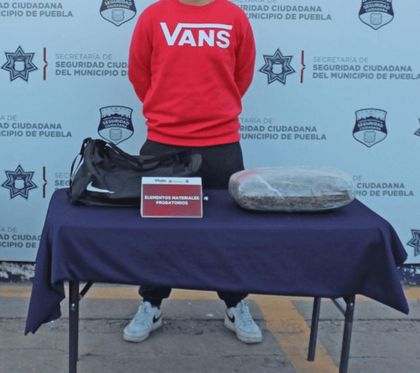 Registran dos detenciones al día por posesión de drogas en Puebla