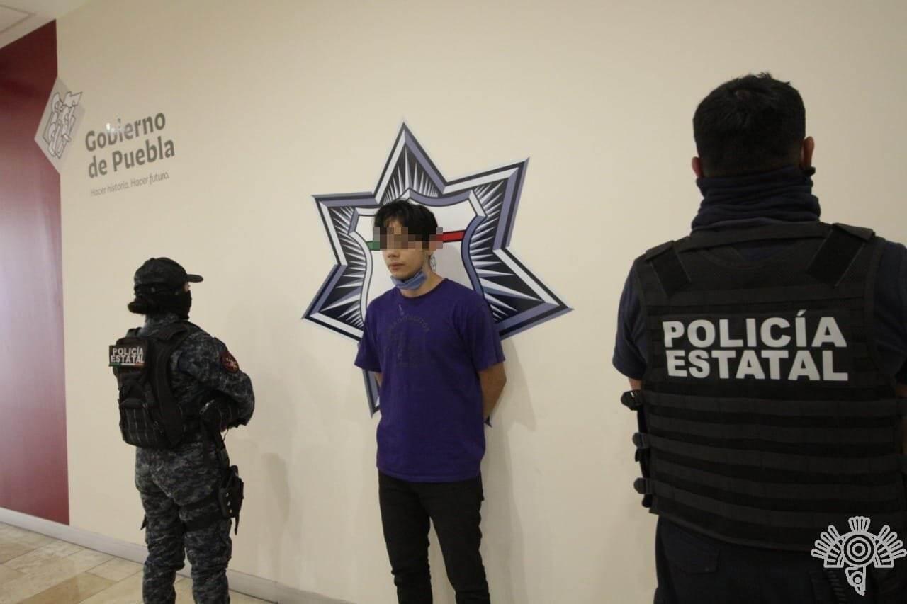 personas detenidas por portar drogas en puebla