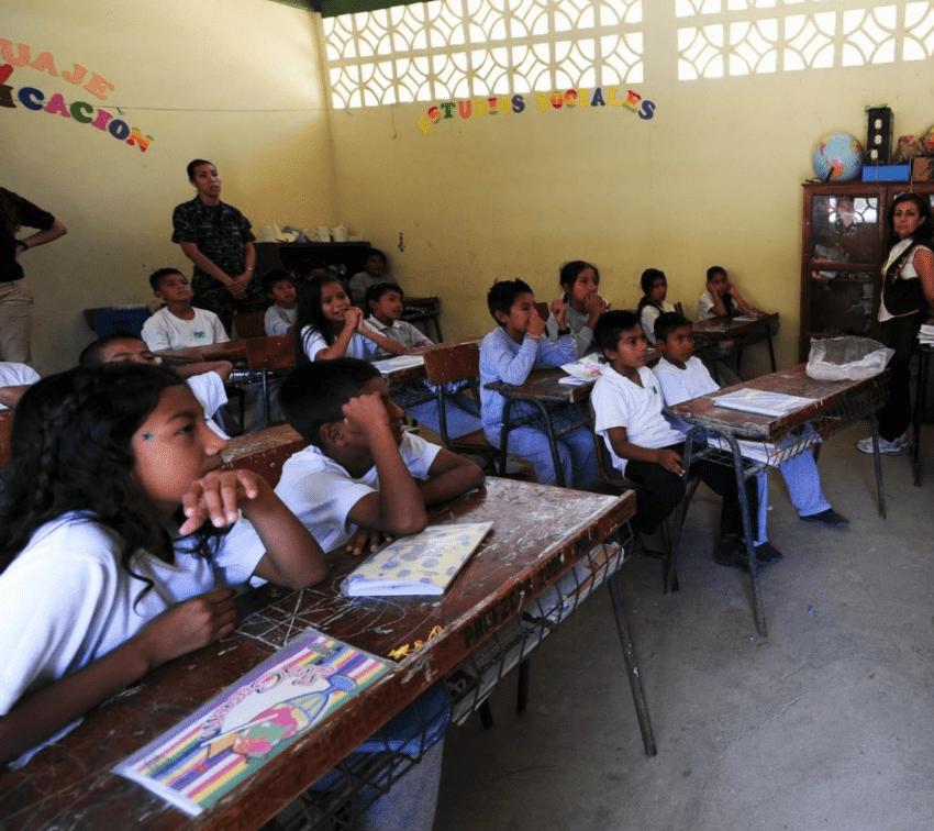 Persiste brecha de género en escolaridad en Puebla