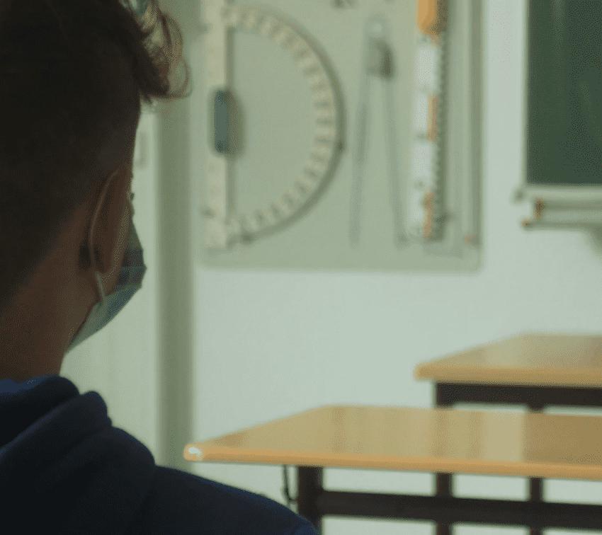 Más de 120 maestros han fallecido por covid-19 en Puebla