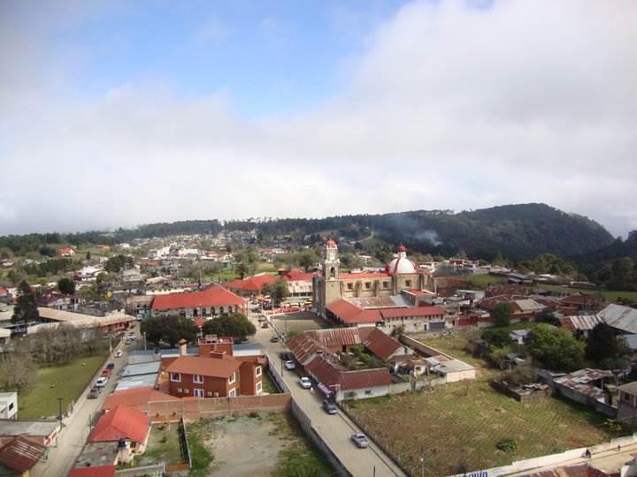 En Huayacocotla, un pueblo ubicado en la Huasteca Baja de Veracruz, abundaba el cacicazgo y la criminalización de campesinos. Allí, la abogada del pueblo permaneció durante 20 años.