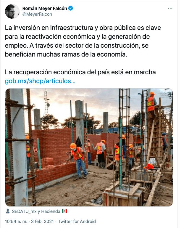 Tuit de Román Meyer sobre la importancia de la obra pública tras los del gobernador de Puebla Miguel Barbosa