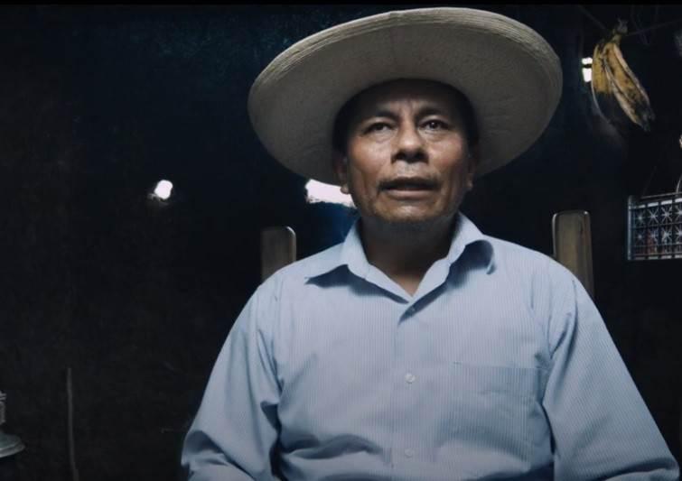 En 1989, Zósimo Hernández (en la fotografía), junto a otro grupo de campesinos fueron detenidos y torturados tras ser señalados por el homicidio de un cacique de Huayacocotla. Concepción Hernández lideró la defensa legal de todos. Fotograma del documental La abogada del pueblo.