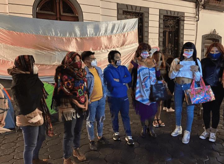 El viernes 12 de febrero un grupo de mujeres trans y colectivas marcharon en protesta por el incumplimiento de los acuerdos y establecieron un plantón ante la sede del Congreso local durante dos días.