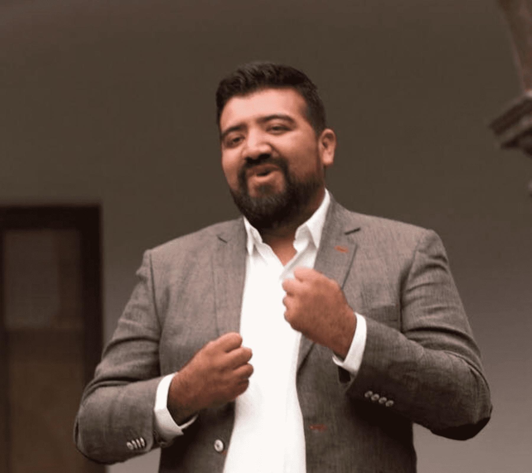 Edgar Luna candidato sordo puebla