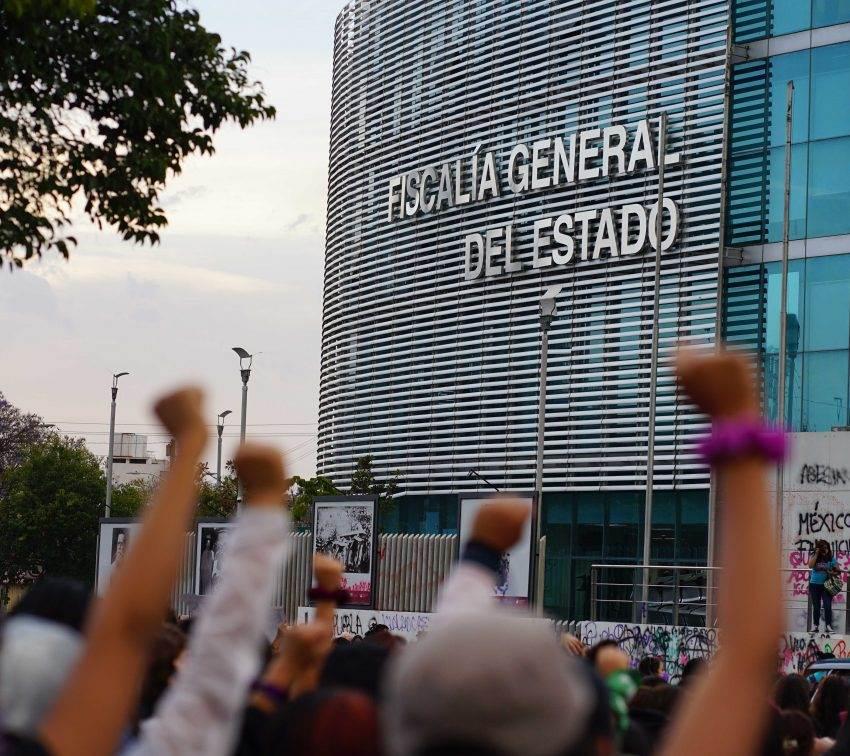 Feministas denuncian «escenario de represión» en Puebla tras 8M