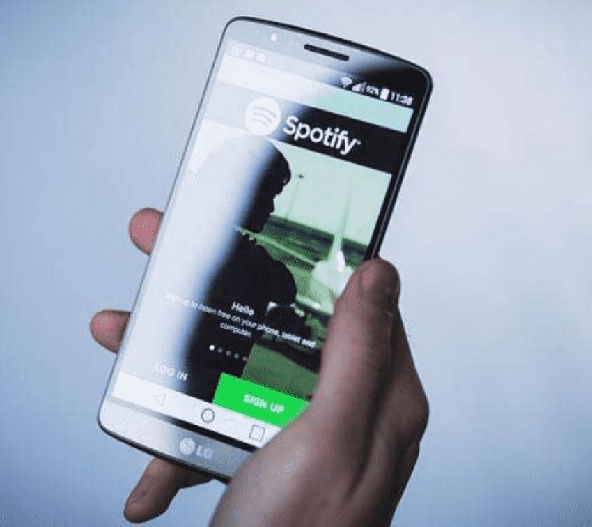Así puedes escuchar música de Spotify sin abandonar Facebook