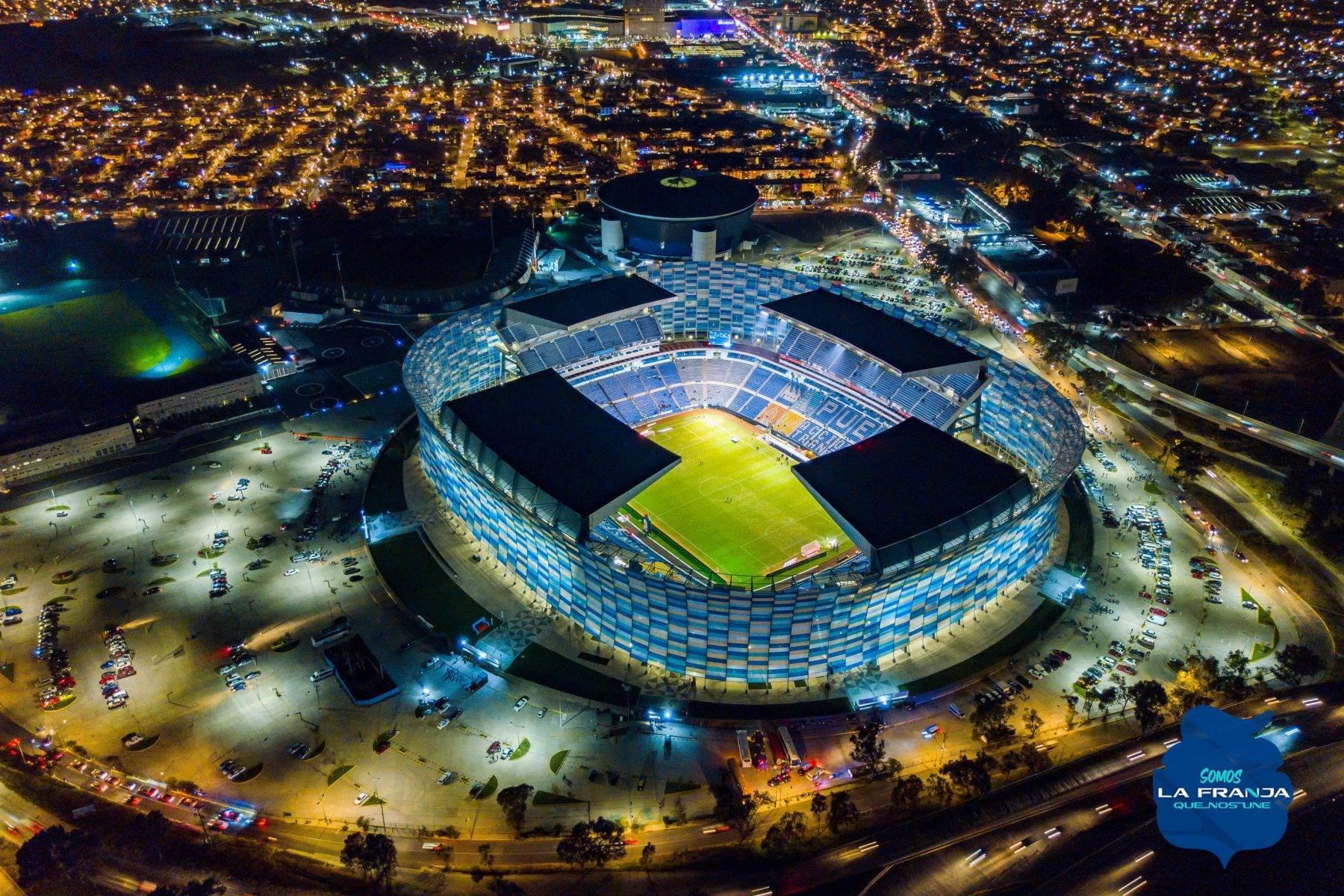 Fotografía del Estadio Cuauhtémoc.