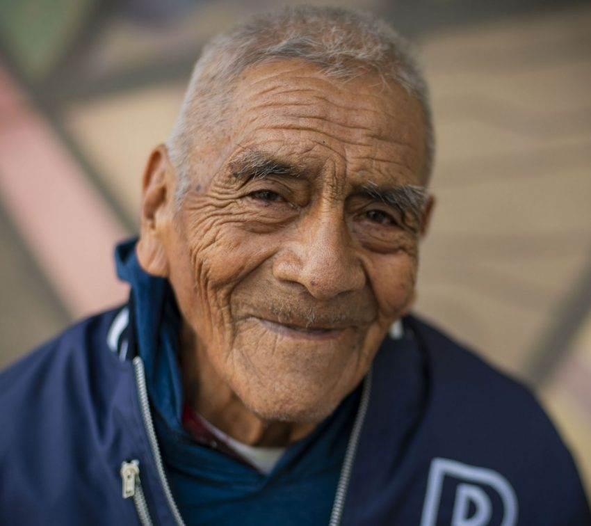 Don Felipe, el alumno de 84 años de la BUAP se gradúa como ingeniero