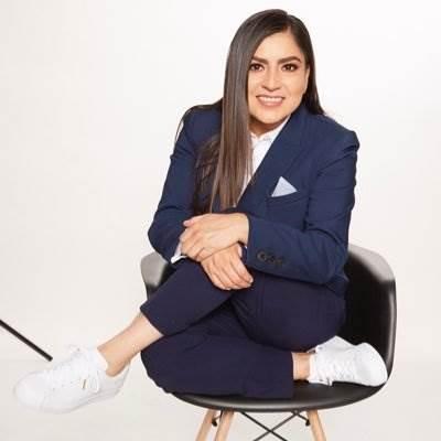 Fotografía de Claudia Rivera, candidata a la presidencia municipal de Puebla.