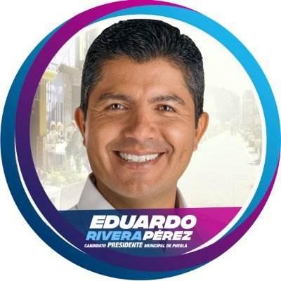 Fotografía para presentar propuestas de Eduardo Rivera, candidato a la presidencia municipal de Puebla.