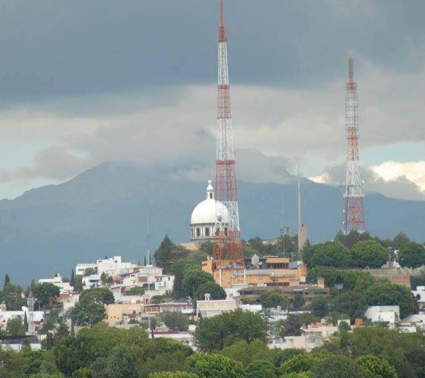 Vista del cerro de la paz, ideal para ir en pareja a romancear.