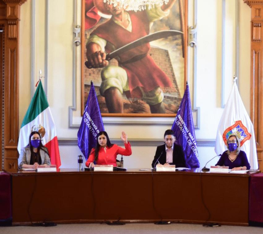 Presentan en Puebla el equipo de trabajo de Puerta Violeta