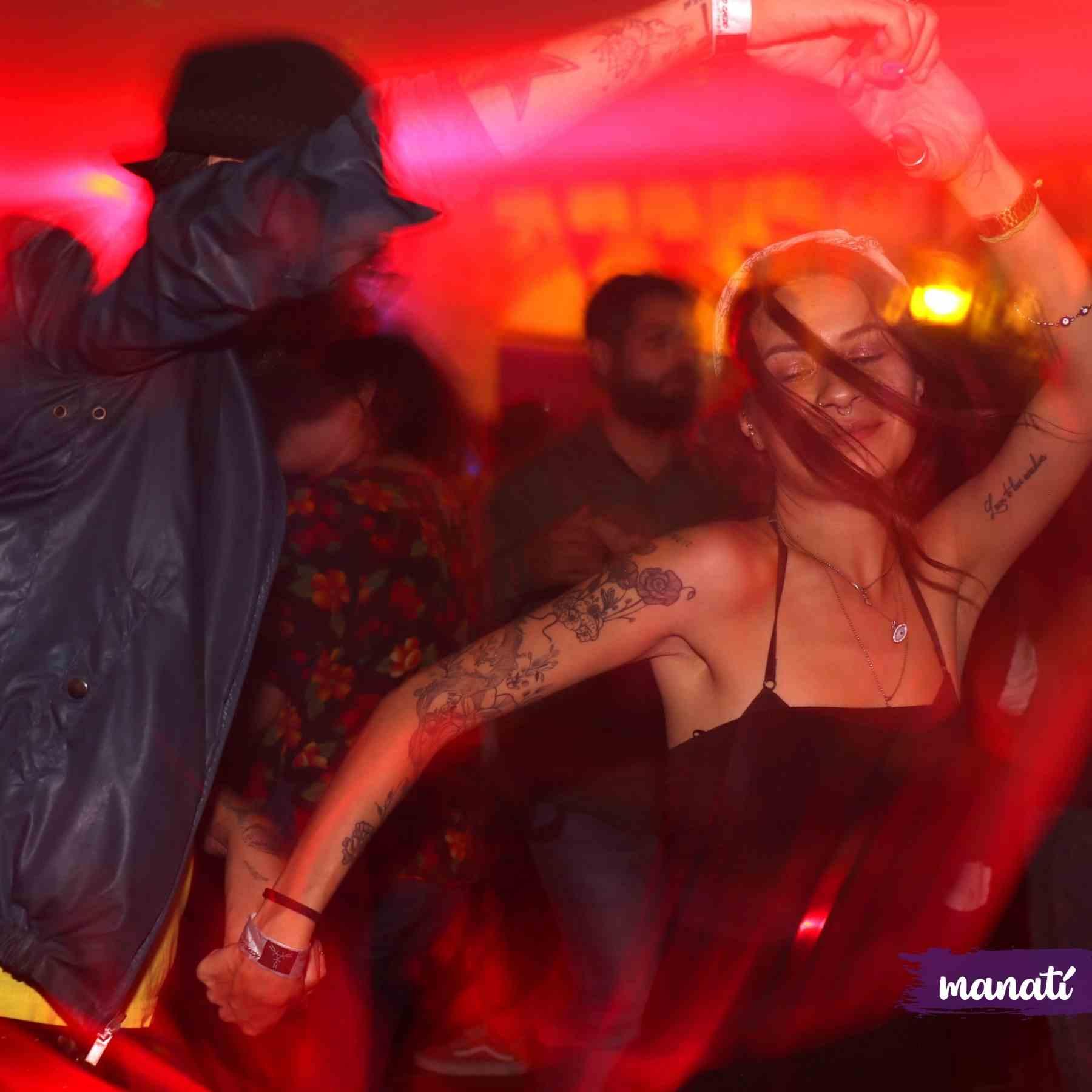 antro reapertura comercial puebla fiestal baile
